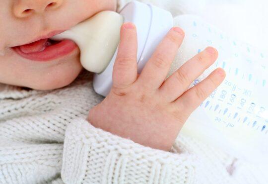 Lait infantile pour bébé APLV